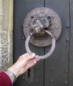 Adel Church Handle